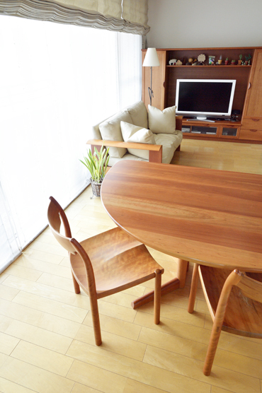 無垢材ソファ 無垢材オーダーボード 無垢材TVボード  無垢材テーブル 無垢材チェア チェリー