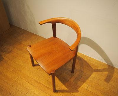 ひとつの椅子