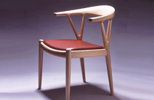 椅子のモダンデザインと家具蔵の椅子1