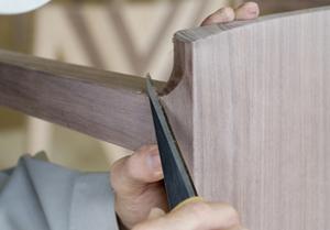 現代に息づく伝統技術 無垢材家具を木組みでつくるということ