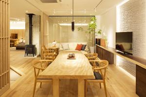 「森のダイヤモンド」から生まれる無垢材家具