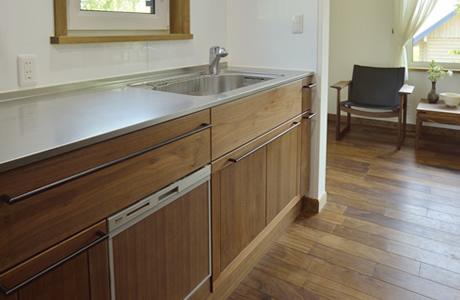 ウォールナット・I型キッチン