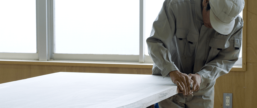 家具蔵の一枚板の特徴を知る