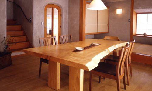 オーダーテーブルを無垢材一枚板天板でつくる