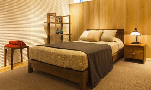 無垢材ベッドで快適な睡眠と健康的な暮らしを