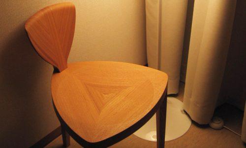 チェア(椅子)とスツールの違いとは?