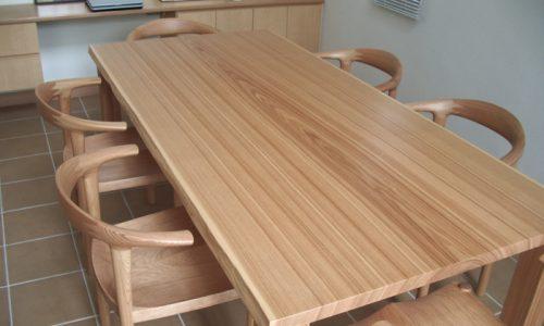 無垢材テーブルを選ぶ理由とは