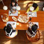 無垢材テーブルでよく使用される素材はどんなもの?