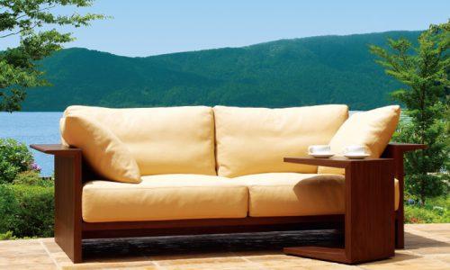 ソファカバーに座り心地良く、長く利用するほど味がでる「革」を選ぶということ