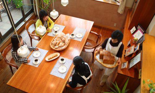 ダイニングテーブルの高さは何を基準に決めるべきか