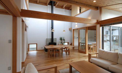 無垢材家具、人気の樹種は?