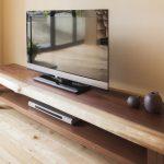 テレビボードは「どこから見るか」で高さを決める