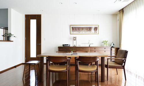 無着色で活きる無垢材家具の良さとは