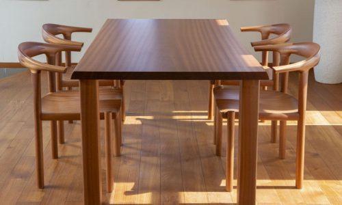 「サペリ」家具で自然の恵みを空間に