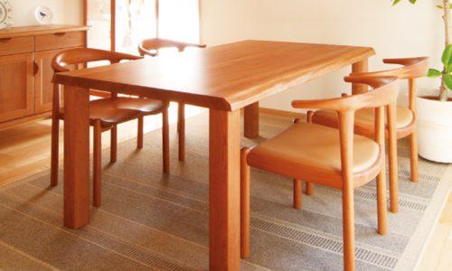 チェリーの無垢材テーブル、選び方のポイントは