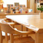 「一枚板テーブル」と「その他の無垢材テーブル」その違いとは?