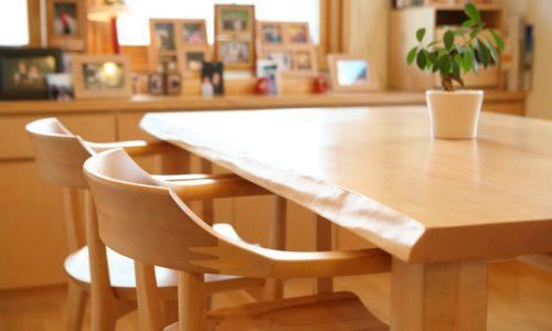無垢材メープルの家具を主役にした空間づくりとは