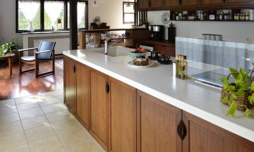 木のキッチン、フルオーダーキッチンとセミオーダーの違いとは