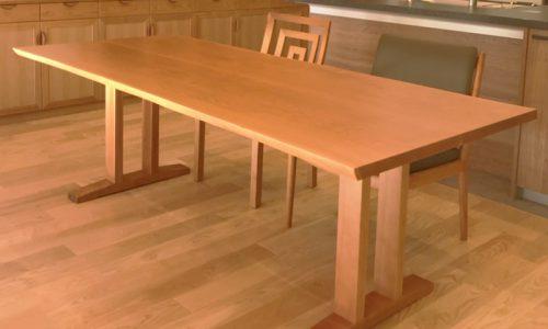 一枚板テーブルの脚の種類と選び方