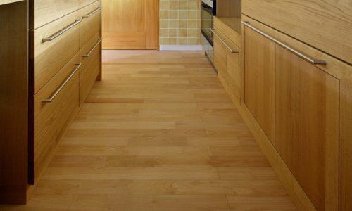 キッチンの床に適した素材は?~その1