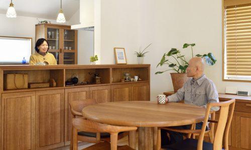 無垢材とオーダー家具の「良い関係」とは
