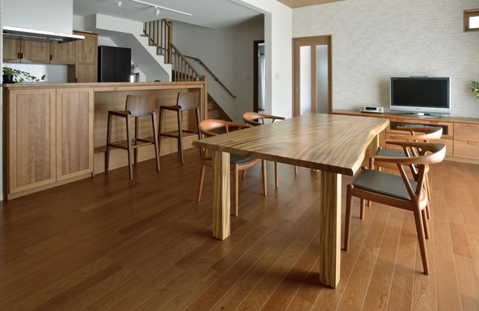 一 枚 板 テーブル