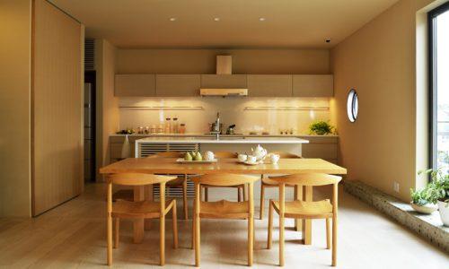無垢材家具を選ぶならどのようなところが良いか