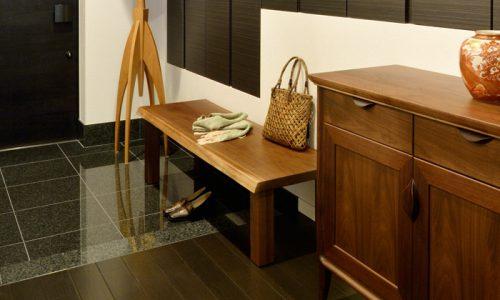 ウォールナットの一枚板をテーブル以外で活用するには?