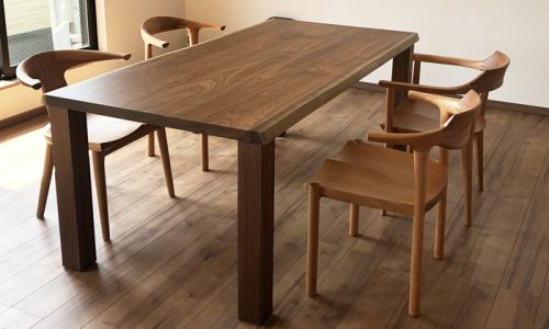 ウォールナットのダイニングテーブル、選び方の基準は?