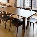 ウォールナットのダイニングテーブルに合わせる椅子は