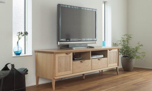 暮らし方別のテレビボードの選び方