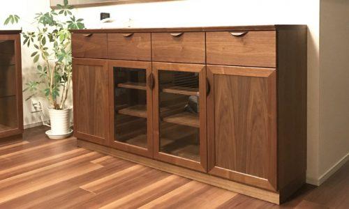 オーダーキッチンでLD部の収納も美しく効率的に