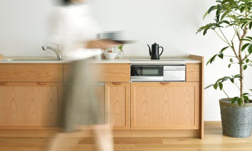 「和む」「魅せる」がある木のキッチンの魅力を知る