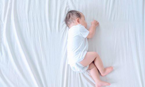 無垢材ベッドで睡眠環境を整え、質の良い眠りを