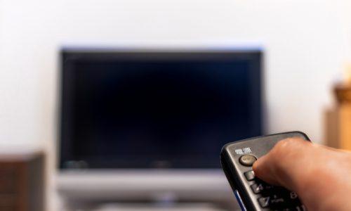 大型テレビの適切な「視聴距離」とは?